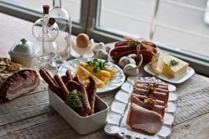 Tradycyjny smak śniadania Wielkanocnego