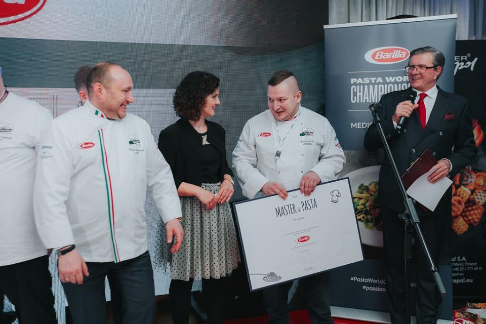Na zdjęciu od lewej: Dariusz Ratuszniak – Jury, Karolina Dmochowska – Ekspert marki Barilla, Paweł Galecki – Master of Pasta, Zygmunt Chajzer.